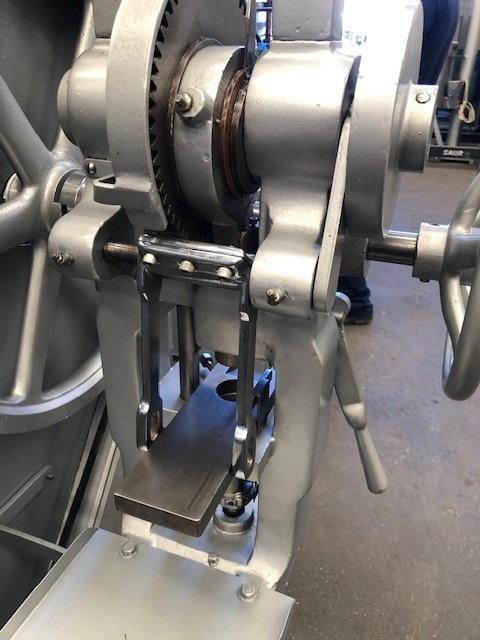 Maquina Compressora de Monopunção Neuberger Media Central - 2