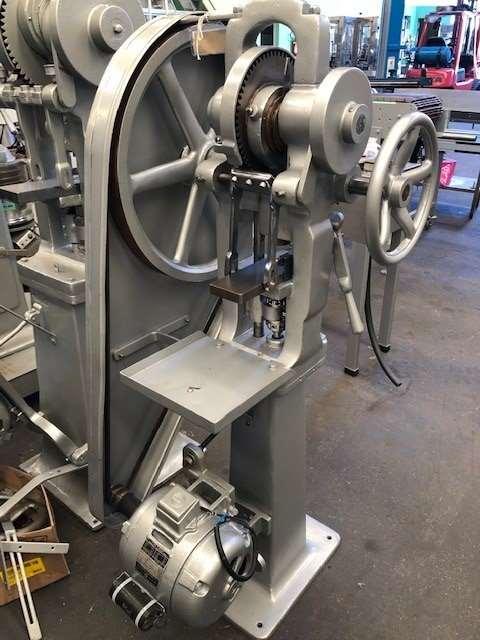 Maquina Compressora de Monopunção Neuberger Media Central - 3