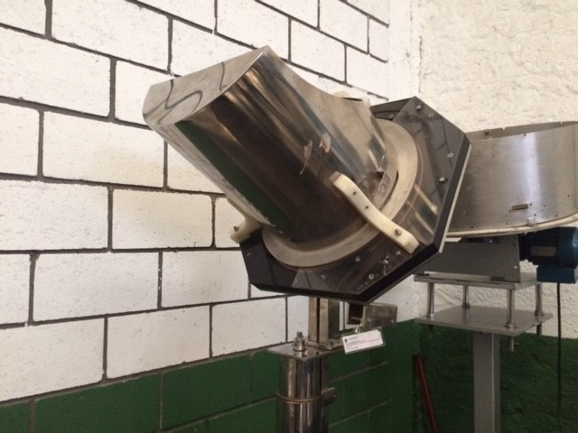 Alimentador de tampa rotativo Ø 470 mm.