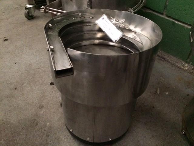 Alimentador de tampa vibratório Ø 300 mm.