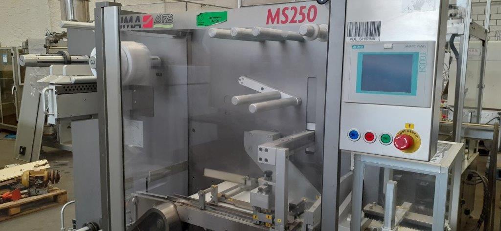 Embaladora Shrink marca Ima com tunel de encolhimento