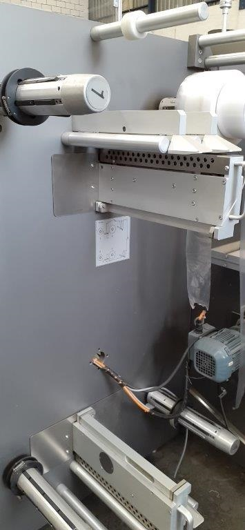 Embaladora Shrink marca Ima com tunel de encolhimento - 8
